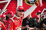 Kevin_harvick_wins_budweiser_duel_1