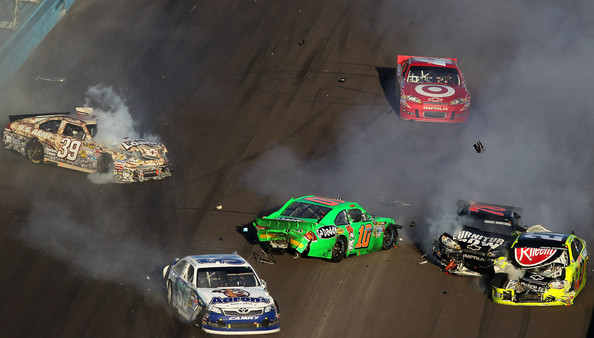 Advocare_500_last_crash14